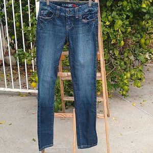 Guess Skinny Leg Jeans Daredevil. Size 27